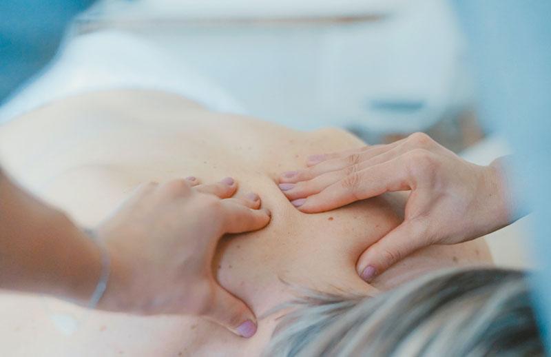 Schmerzen loswerden mithilfe von Massagen – ein wichtiger Überblick